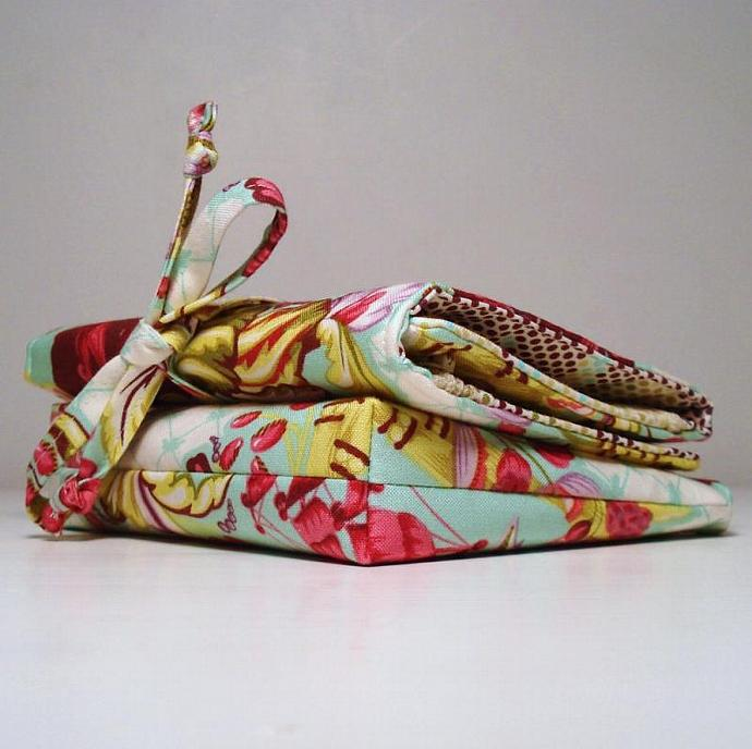 Matching Jewelry Roll and Make Up Bag Set- Ready to ship