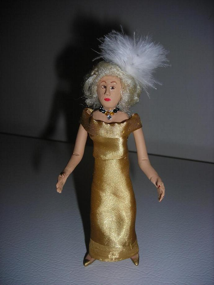 Helene the Aging Starlet in One Inch Dollhouse Scale
