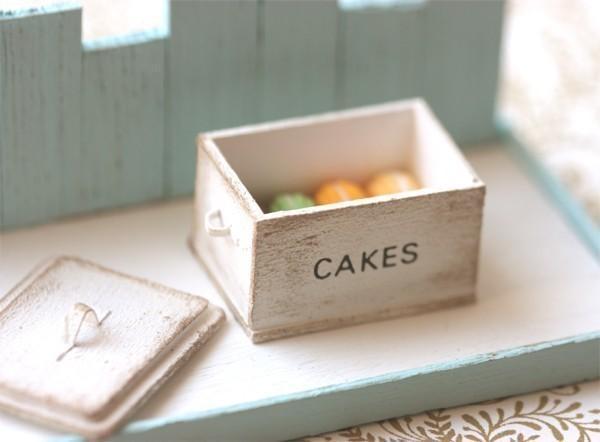 Dollhouse Miniature 1/12 Scale Shabby Chic White Cake Box