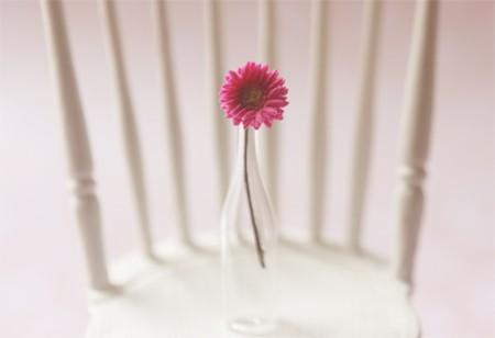 Dollhouse Miniature 1/12 Scale Fuschia Gerbera Daisy