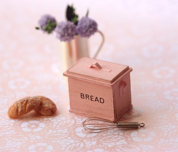 Dollhouse Miniature 1/12 Scale Shabby Chic Sweet Pink Bread Box