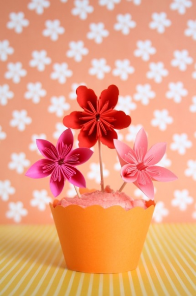 12 Flower Cupcake Toppers ' Love Celebration '
