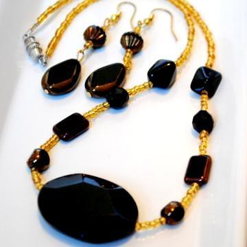 Dark Brown Onyx Semi Precious Beaded Necklace with Earrings