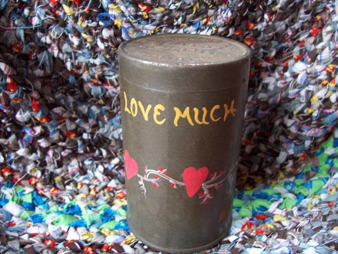 LOVE MUCH Vintage Baking powder Tin