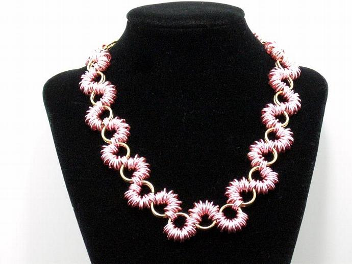 Bubblegum Ruffles Chainmaille Necklace