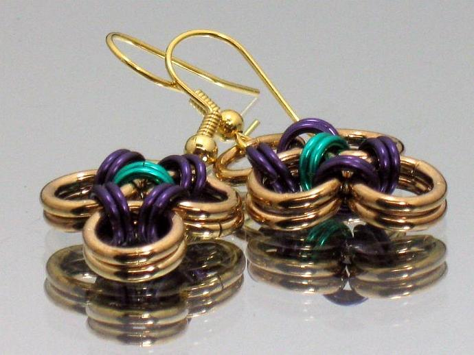 Chainmaille Earrings in Gold/Eggplant/Bright Green