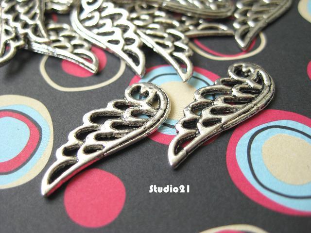 20 pcs of Tibetan Antique Silver Finish Angel Wing Charm/Pendant (PEN-S20)