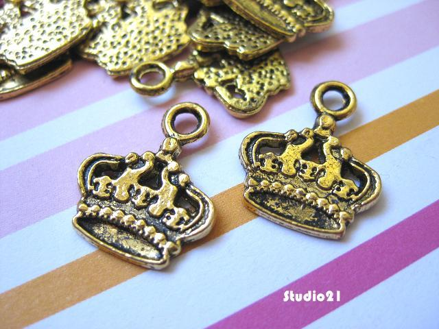 20 pcs of Tibetan Antique Gold Finish Crown Charm/Pendant (PEN-G12)