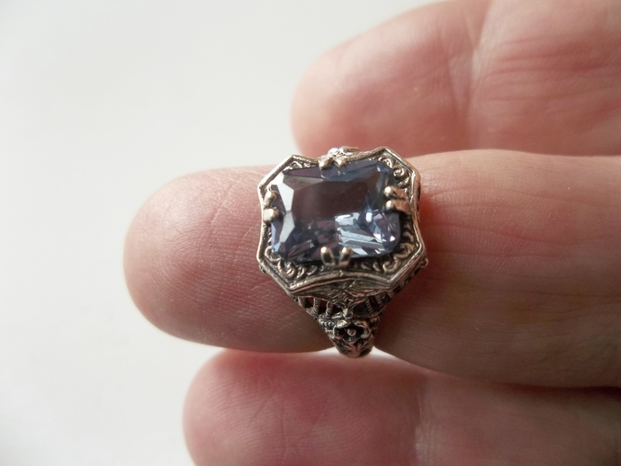 Alexandrite  2ct Ring, Promise Ring, New Trend Engagement, Proposal Ring,