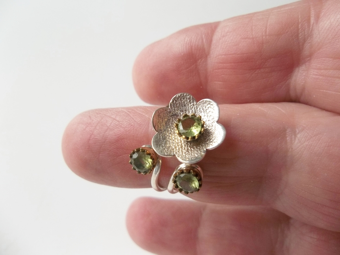 Unique peridot Flower Ring, Antique Style, Holiday Gift, Promise Ring,
