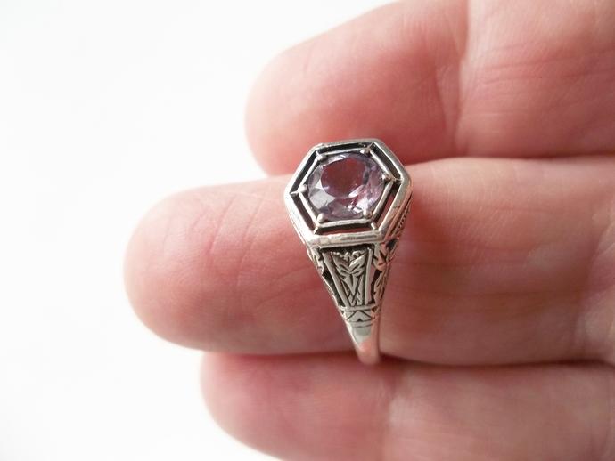 1ct Amethyst, Hexagon Ring, Mom's Gift, February Birthstone, size 8 ring,