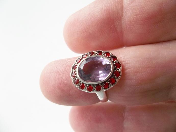 2 ct Amethyst and Garnet Ring, Keepsake Gift, Size 5 ring, Holiday Gift Ideas,