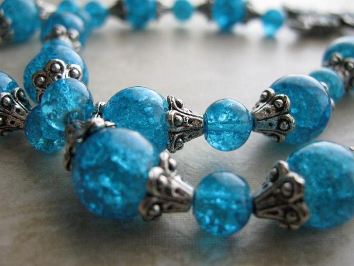Cruz Turquesa Necklace - Turquoise Crackled Glass Beads Turquoise Enamel Cross