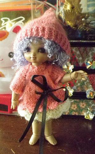 Gnome Hat Pink Merino pukipuki lati white