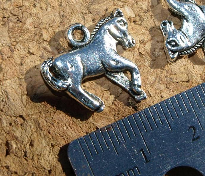 Horse  Charms 111-0088