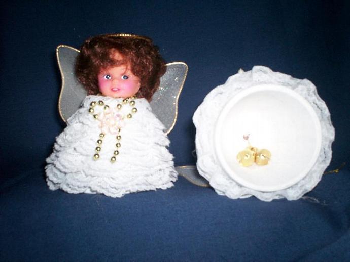 Clay Pot Angel Large w/Bells