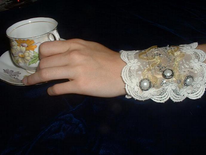 Golden Girl Ribbon Lace Cuff