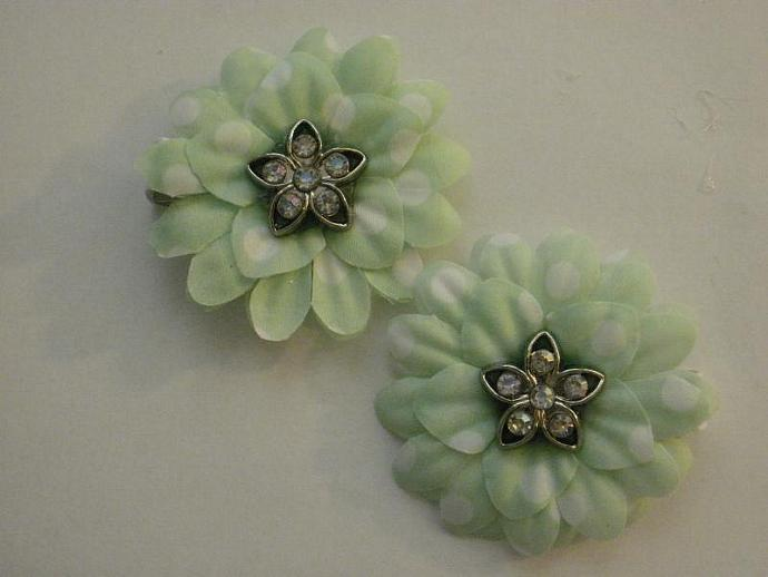 Mint Green Polka Dot Gerber Daisy Clippies