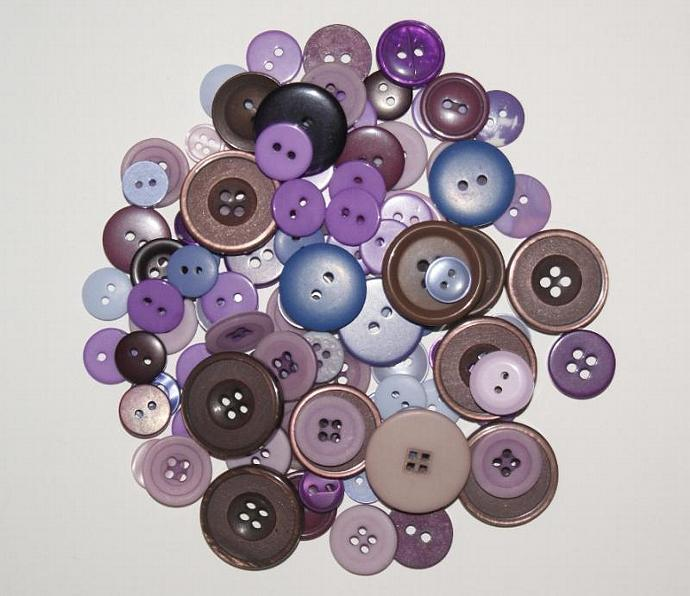 Great Lot of 100 Purple Buttons Scrapbooking Sewing
