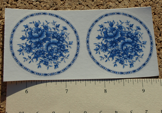 China Blue Flowers in Circle D10-42