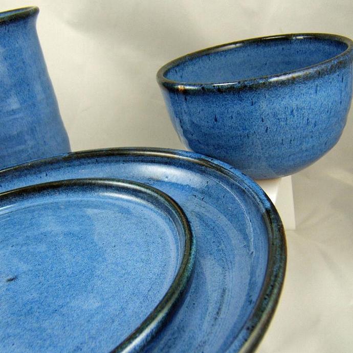 Bright Blue Plateware Set