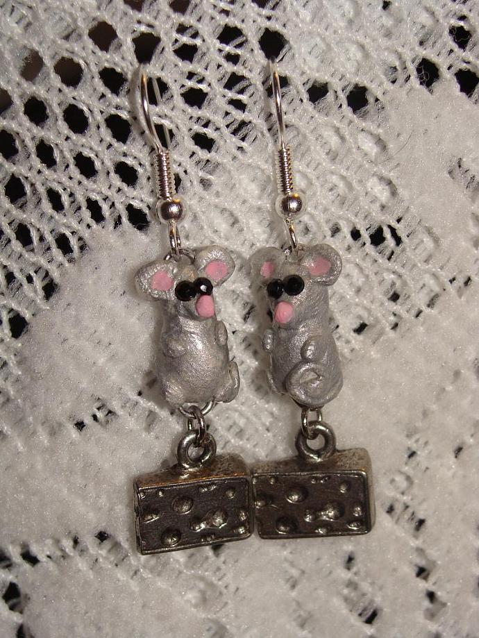 Hand-crafted Mice Dangle Earrings w/ Cheese Charms