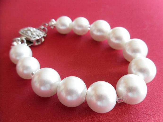 Fancy Pearls Bracelet