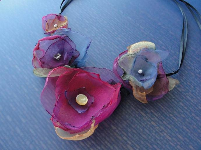 Light & Lovely Organza Flower Necklace