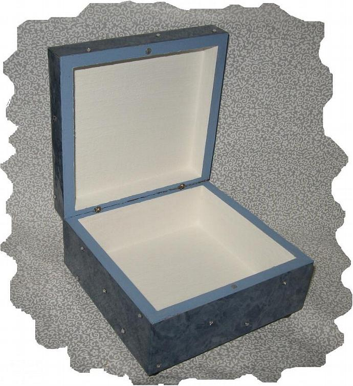 NEW Blue Waters, Porcelain Cameo, Swarovski, Hand Crafted Memory Box