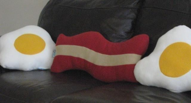 Bacon and Eggs Pillow Set