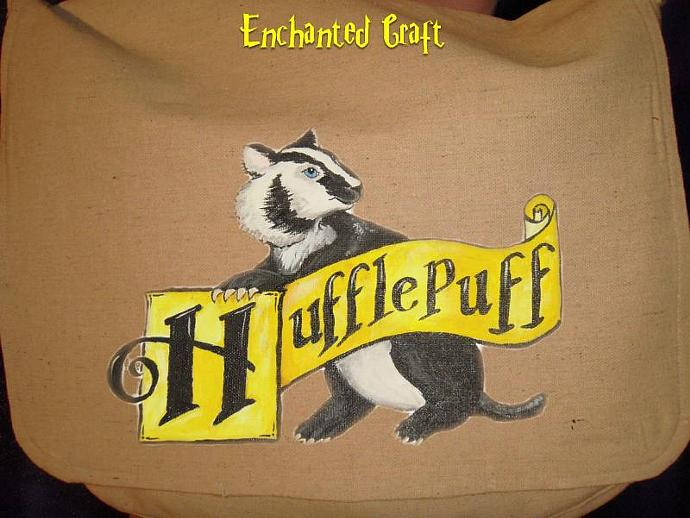 HUFFLEPUFF Canvas Messenger Bag with zippered pockets