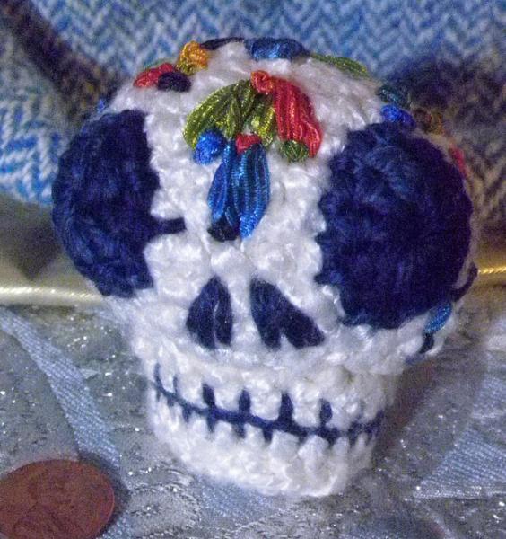 SOLD Sugar skull, calaverita de azucar, amigurumi Phillipe