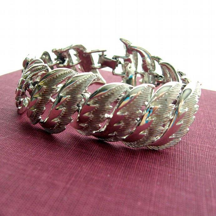 Vintage Chunky Wide Leaf Link Silver Tone Bracelet