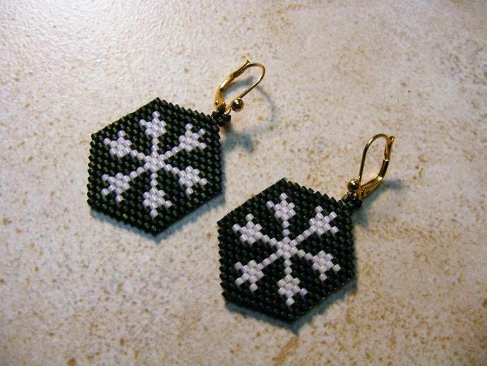 Beaded Snowflake Earrings in Green