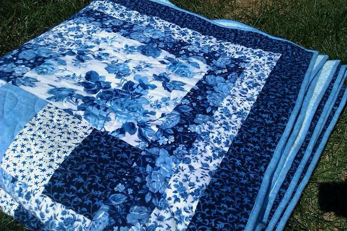 Delft Roses King Sized Flannel Quilt with Minky