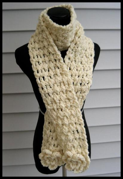 Uber Chunky Wafflestitch Scarf with 2 Sets of Detachable Flowers- Cream with