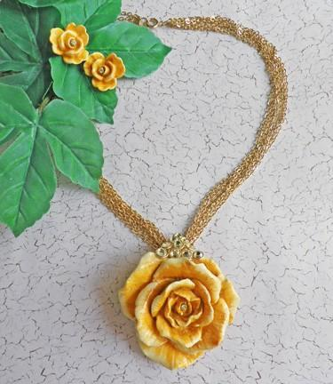Large yellow rose necklace and earrings with Swarovski Crystals   N30