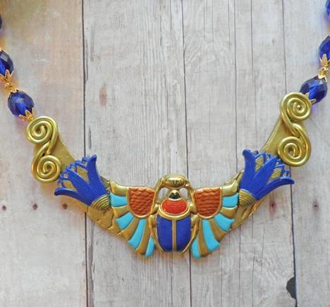 Egyptian Revival winged scarab collar necklace and earring set N71