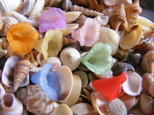 flower beads trumpet lily bead color mix 15mm