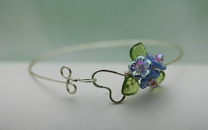 Wirework Heart with Sapphire Glass Bouquet Flower bangle  bracelet