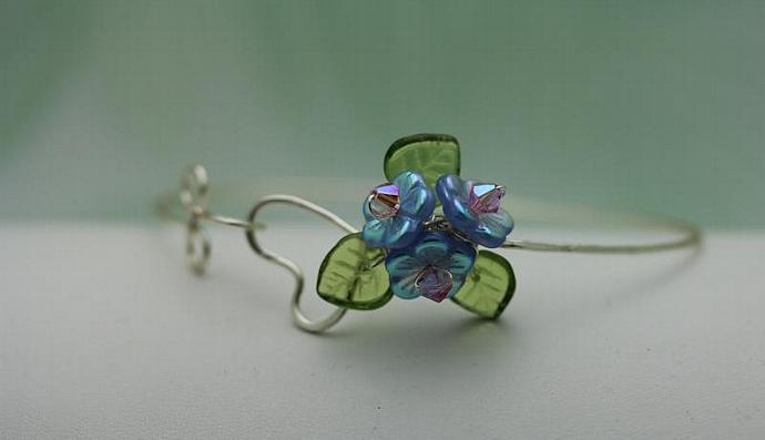 Wirework Heart with Sapphire Glass Bouquet Flower bangle  bracelet