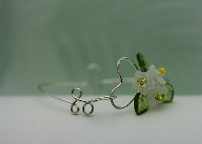 Wirework Heart with Opal white Glass Bouquet Flower bangle  bracelet