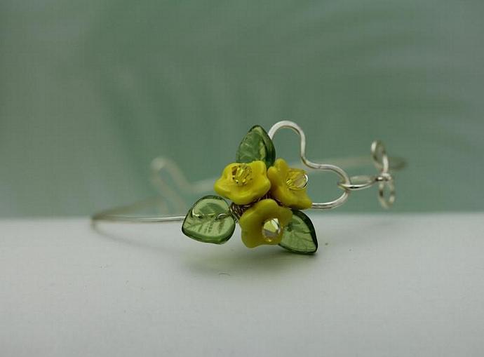 Wirework Heart with Sunshine Yellow Glass Bouquet Flower bangle  bracelet