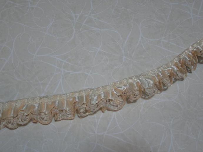 1yd - Ivory Ruffled Satin on Ivory Lace