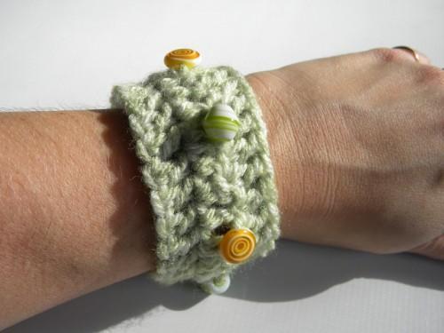 Lollipop Lime Cuff Bracelet Vintage Button closure with Glass Beads