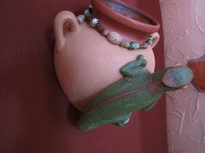 E-P-47 - CHAMELEON WALL PLANTER-Left
