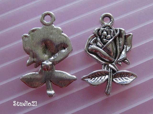 10 pcs of Tibetan Antique Silver Finish Rose Flower Pendant/Charm (PEN-S22)