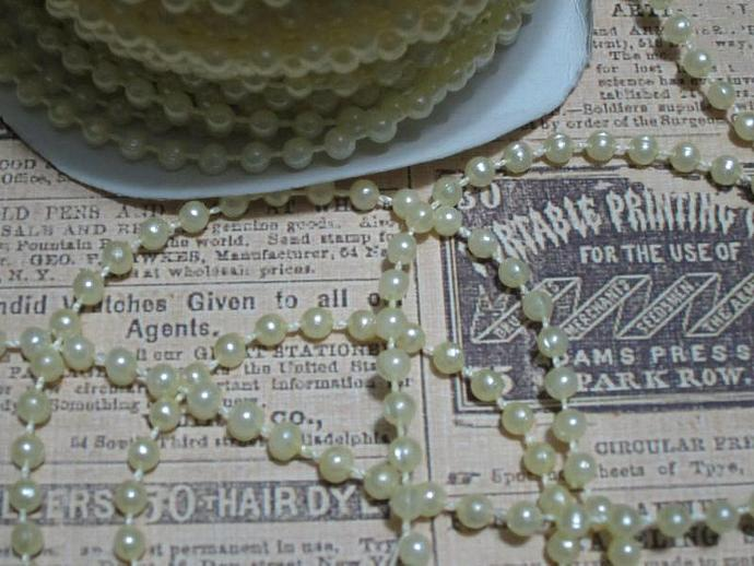 4yds - Ivory Round Pearl Trim (4mm)