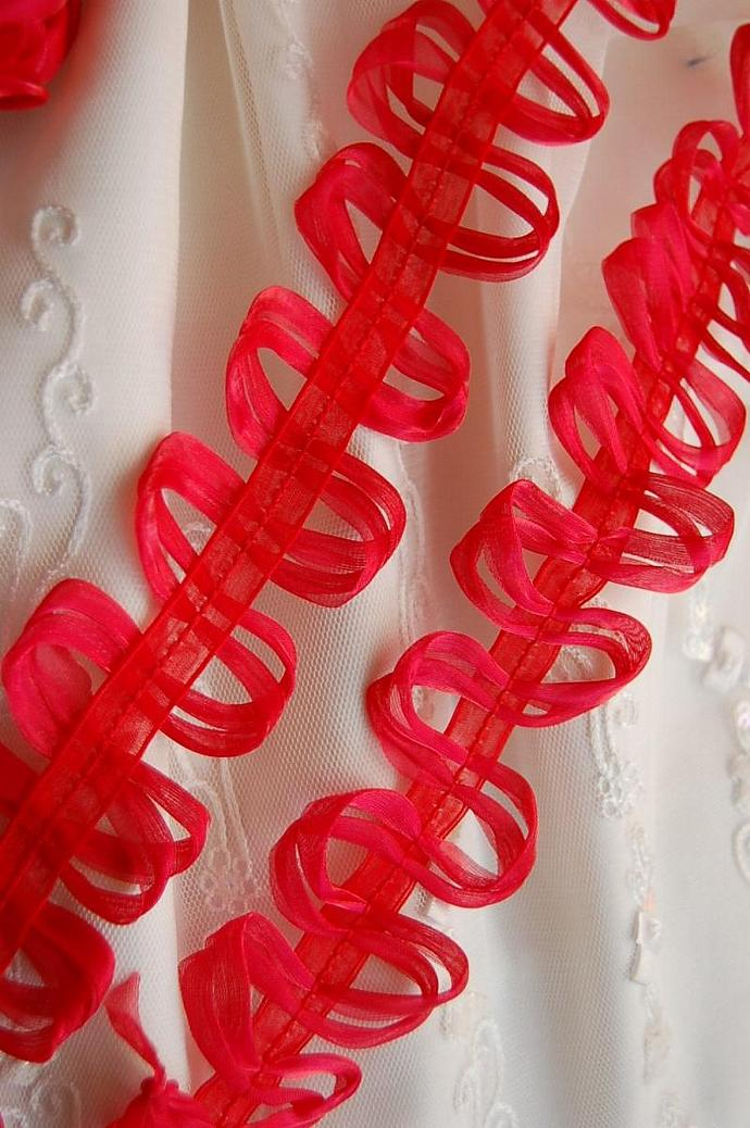 2 yards Loopy Loop Ribbon Trim in RED