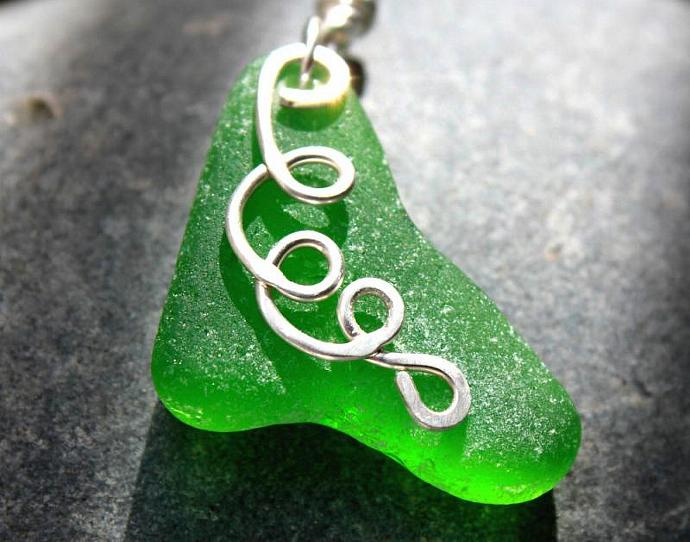 Green Whale Fin Sea Glass Necklace - Kelly Green - Hand Forged Sterling Silver -